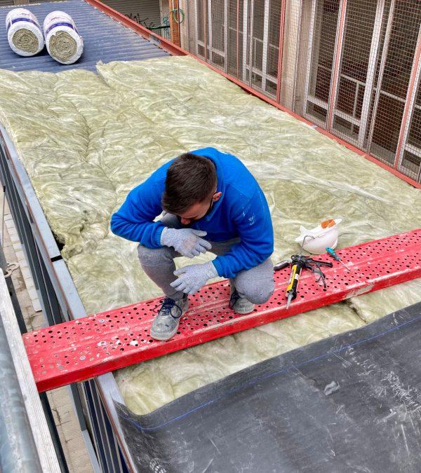 SATE, Fachada ventilada, aislamiento en cubierta… El proyecto Blue Containers se convierte en un laboratorio de pruebas